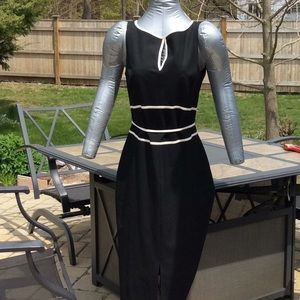 Black & White STRETCH Keyhole Dress  Size 6